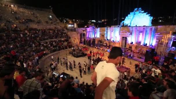 AMMAN, JORDAN - 12. března 2018: Jižní divadlo 12. října 2012 v Jerash, Jordánsko. Jižní divadlo je aréna, která se nachází až 3000 míst a dnes se používá pro koncerty a hudební produkce.