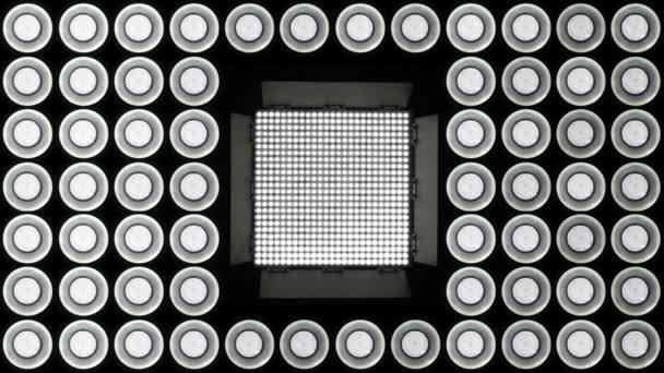 https://st2.depositphotos.com/1381765/7092/v/600/depositphotos_70923867-stockvideo-led-verlichting-knippert.jpg