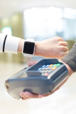 Customer pay by smart watch
