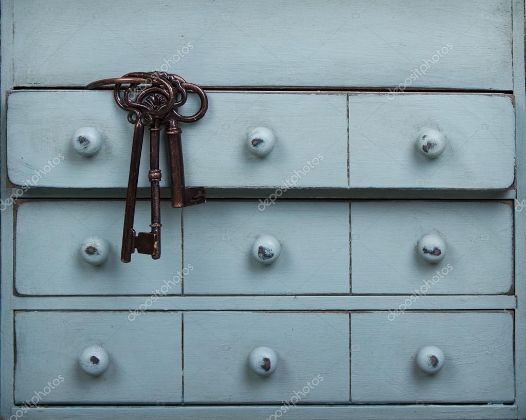 Alte Schlussel In Einer Schublade In Eine Kommode Stockfoto