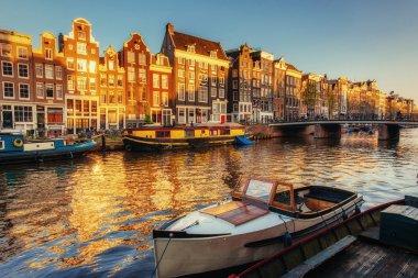 """Картина, постер, плакат, фотообои """"прекрасная ночь в амстердаме. ночное освещение зданий и сооружений """", артикул 87392496"""