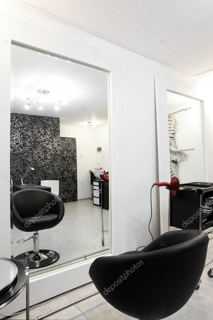 Interieur des modernen Beauty-salon — Stockfoto © fiphoto #54066823