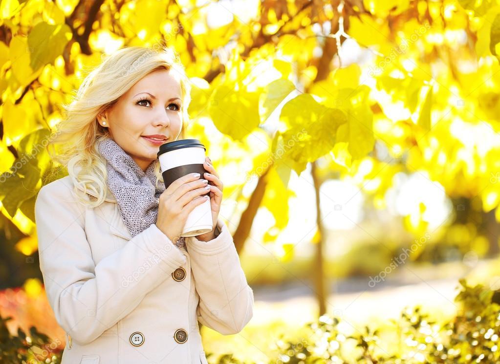 Фото осень девушка блондинка