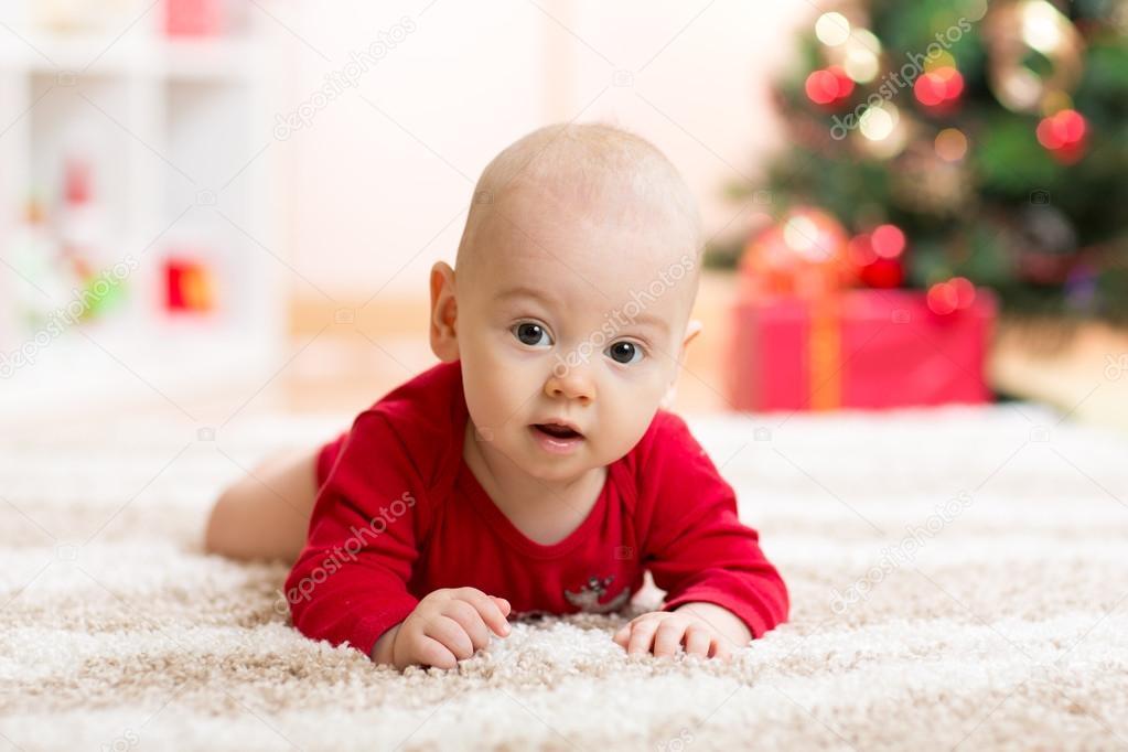 Vicces baba Mikulás ruha karácsonyi fa — Stock Fotó © oksun70  89652916 1d9b077c18