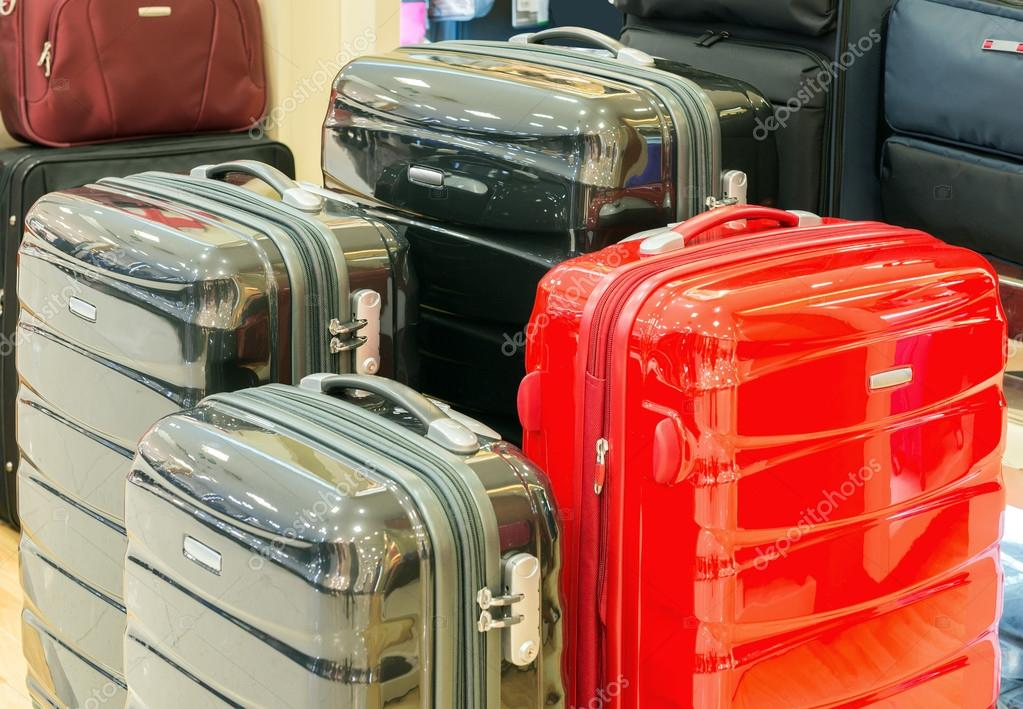 403ea16d1 Venta de maletas de diferentes tamaños y colores — Foto de ...