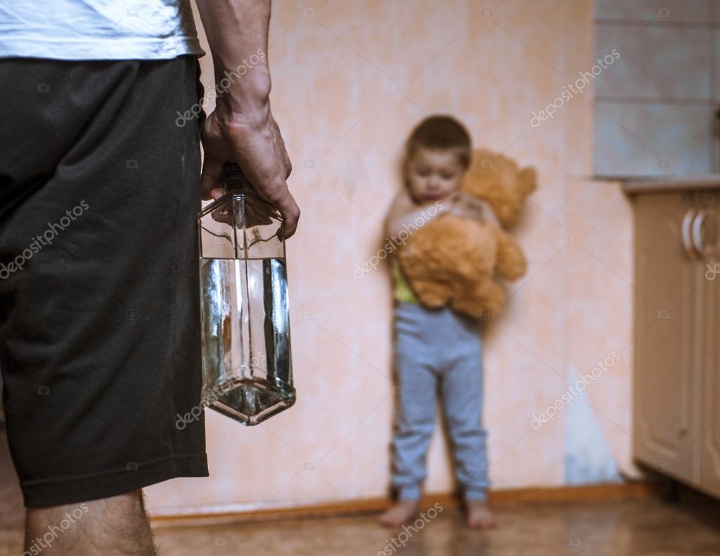 Сын наказал свою мать жестоко, Властная мать наказала нахального сына 21 фотография