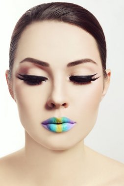 woman with rainbow ombre lips
