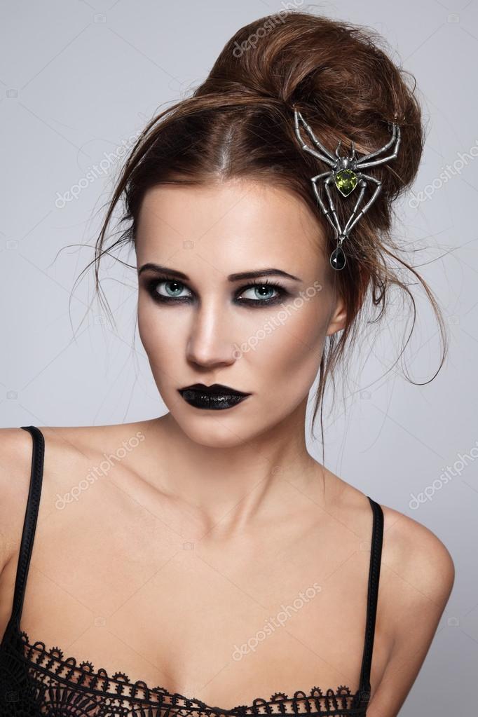 femme avec du maquillage gothique chic photographie pepperbox 75734881. Black Bedroom Furniture Sets. Home Design Ideas