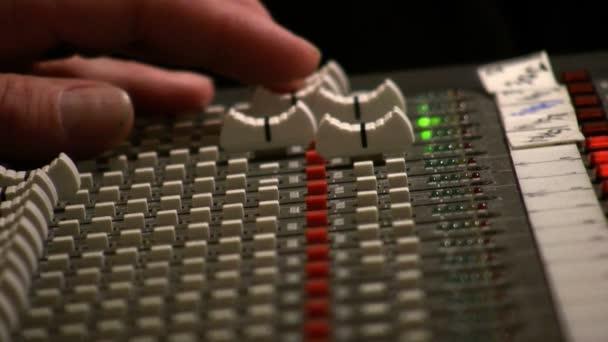 Inženýr mixážní pult