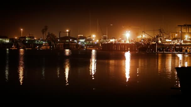 halászati dokkolót éjjel