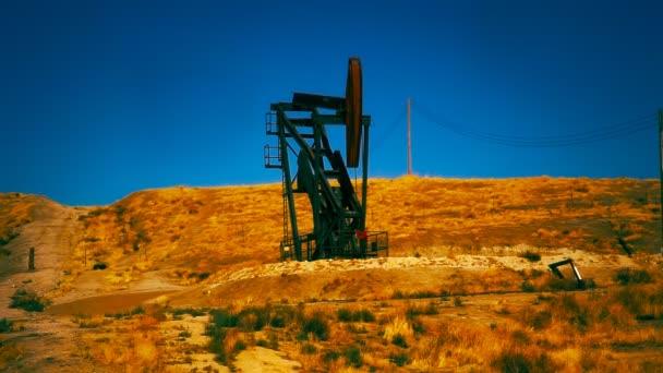 Ölbohrer am Hang