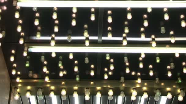 Neonröhren und Glühbirnen