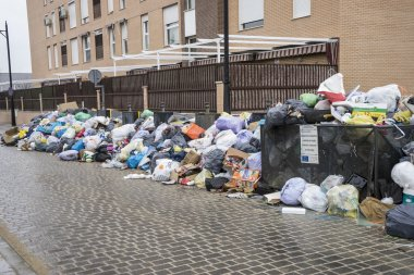 Strike by municipal waste collection
