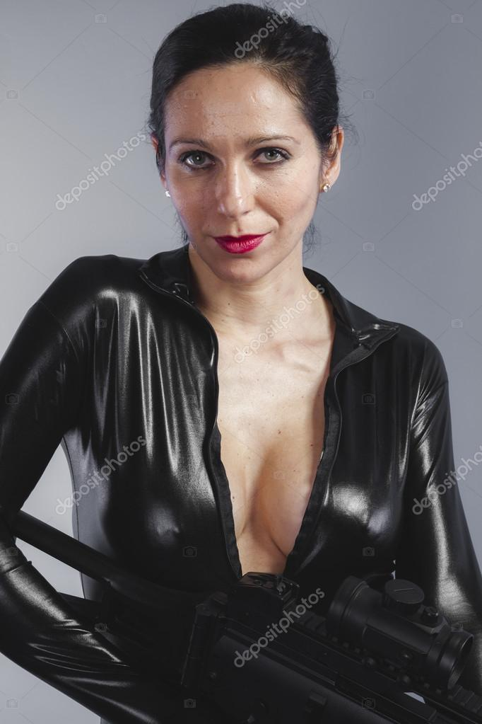 Femme Fontaine Francaise Solo reife Frauen in Latex