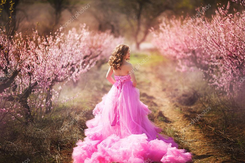 Красивые девушки в розовом платье фото 465-58