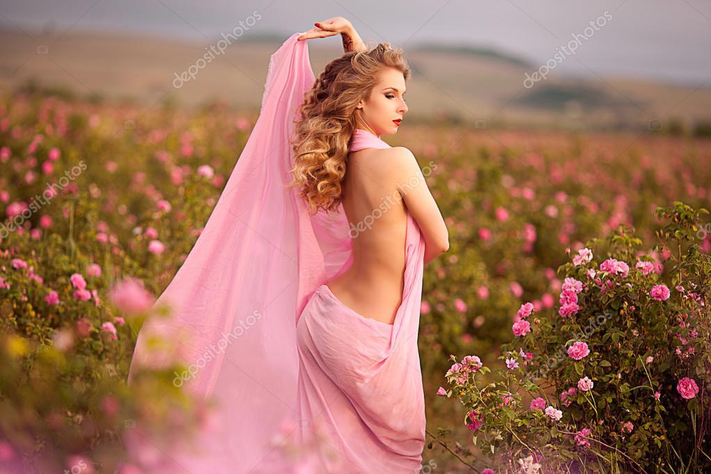 К чему снится розовое новое платье