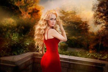 Queen in red dress