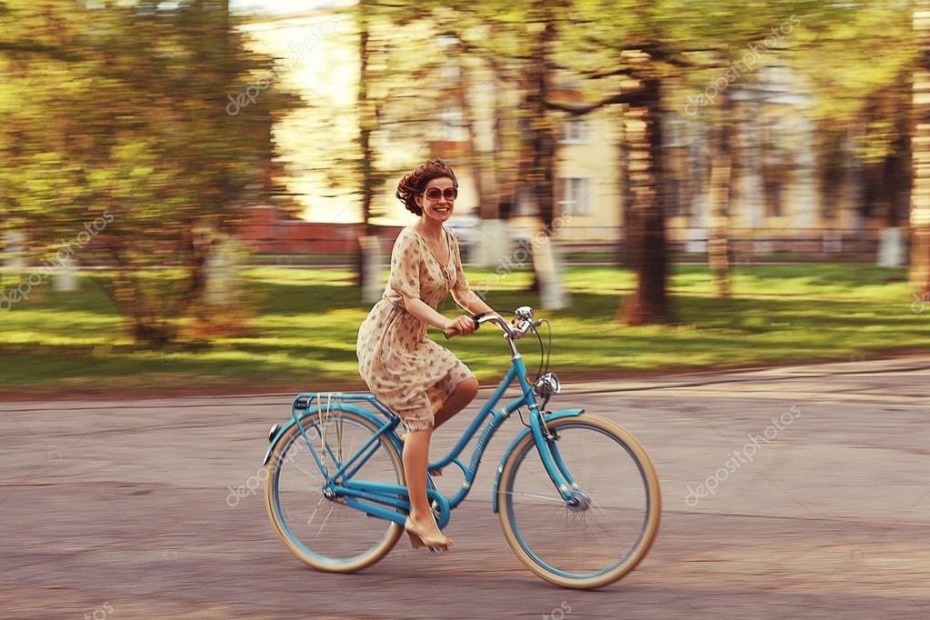 Деревенские девушки на велосипедах фото фото 581-54