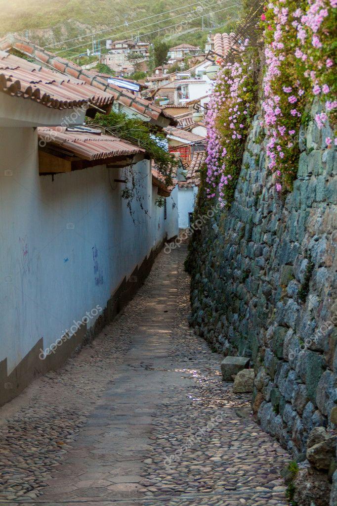 Pequeno Callejon Barrio San Blas Cusco Peru Foto De Stock C Mathes