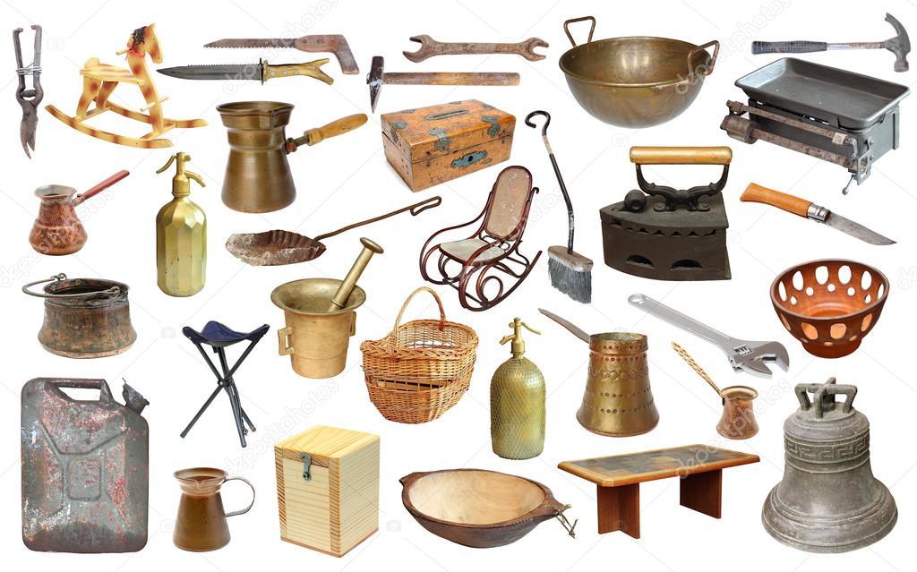 Collage con objetos muy antiguos sobre blanco fotos de for Compra de objetos antiguos