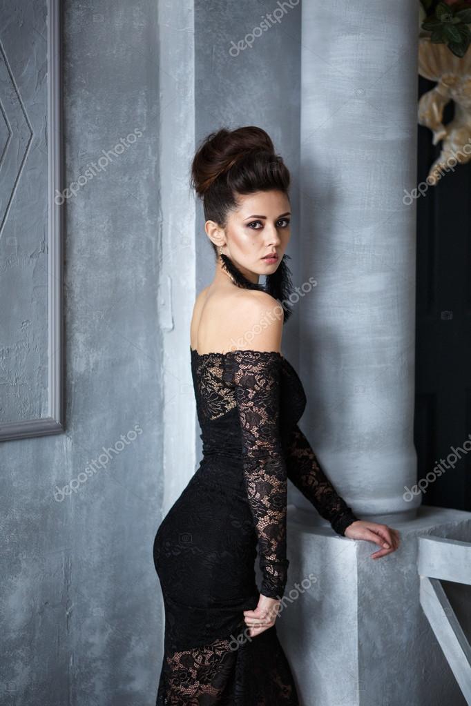 Imágenes Modelo De Noche Hermosa Modelo En Vestido Negro