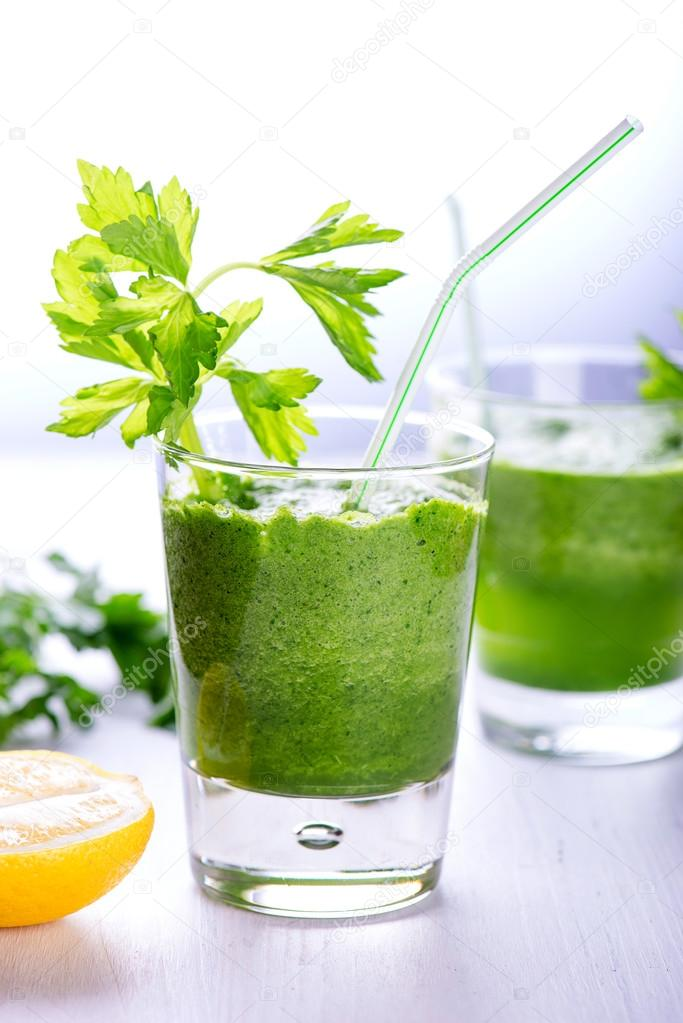 Smoothie selleri avokado