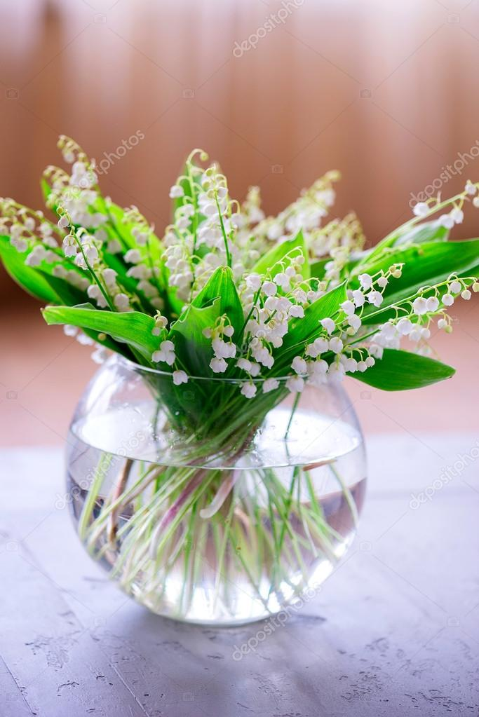 a bouquet of small white flower lily of the valley — Stock Photo ...