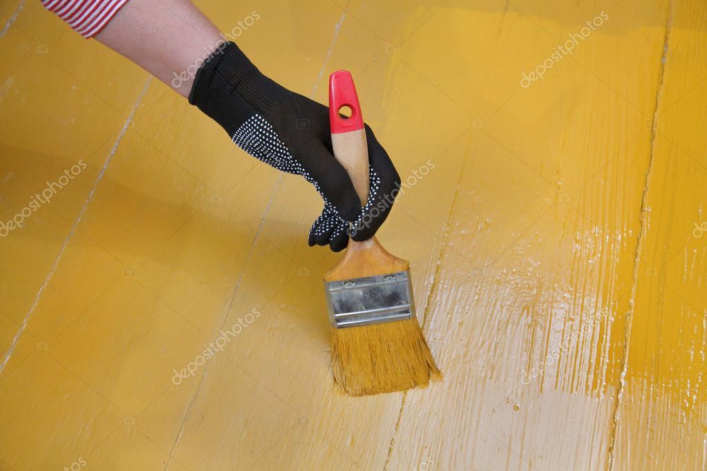 Home renovatie vloer schilderen u stockfoto simazoran