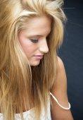 Krásná blondýnka žena