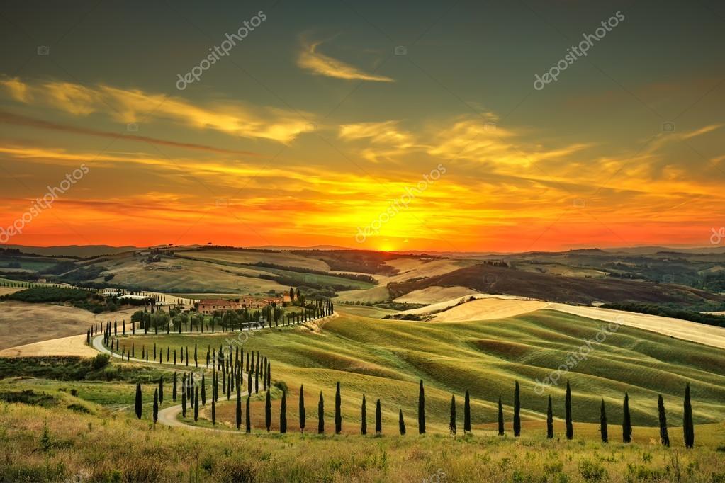 Фотообои Тоскана, сельский пейзаж, закат. Сельской ферме