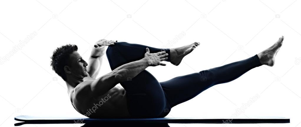 adecuación de ejercicios de pilates aislado del hombre — Foto de ...