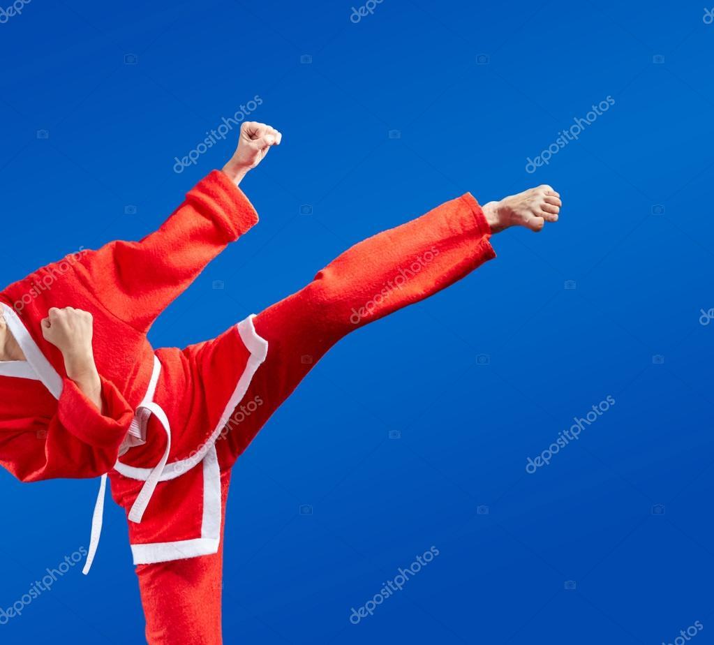 Immagini Karate Natale.Fotografie Karate Da Karate Colpi E Calci In Vestiti