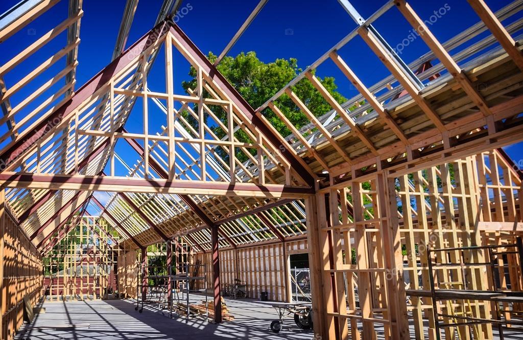 nueva construcción residencial casa — Fotos de Stock © catreen #72927881