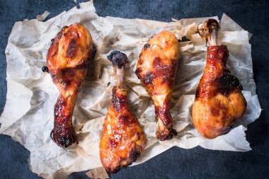 Chicken legs with honey and spices