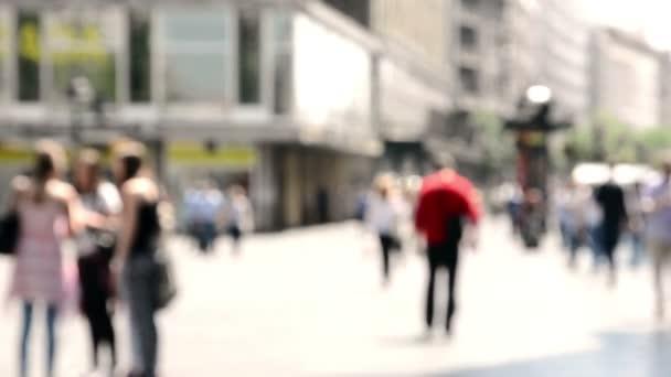 Bulanık insanlar sokakta