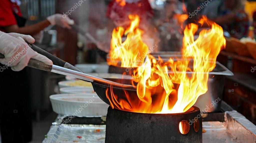 chef di cucina flambé ? foto stock © robert_g #101442782 - Cucina Flambè