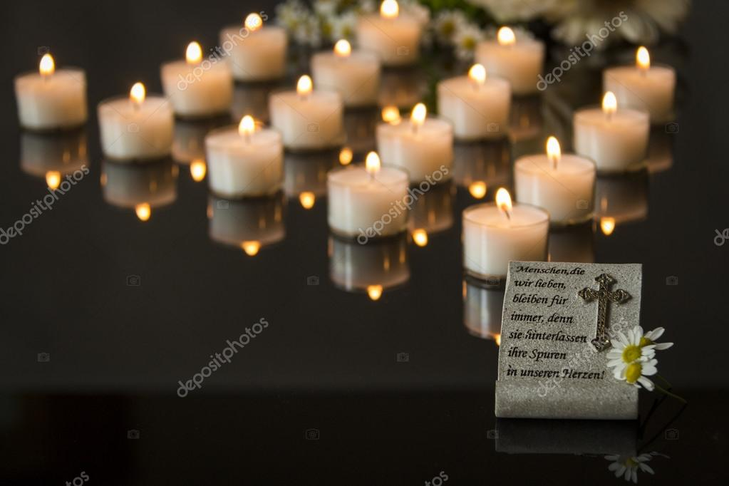 Declaro morto o Fórum Playstation Blast Depositphotos_89173070-stock-photo-funeral-card-with-flowers-and
