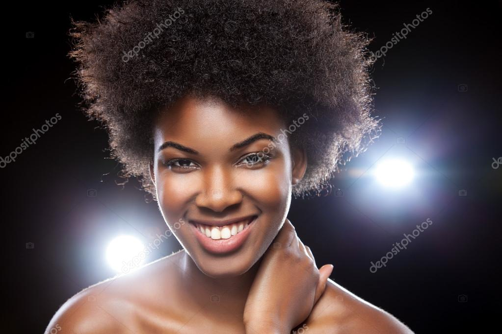 Belle Femme Africaine Avec Coiffure Afro Photographie Tommyandone