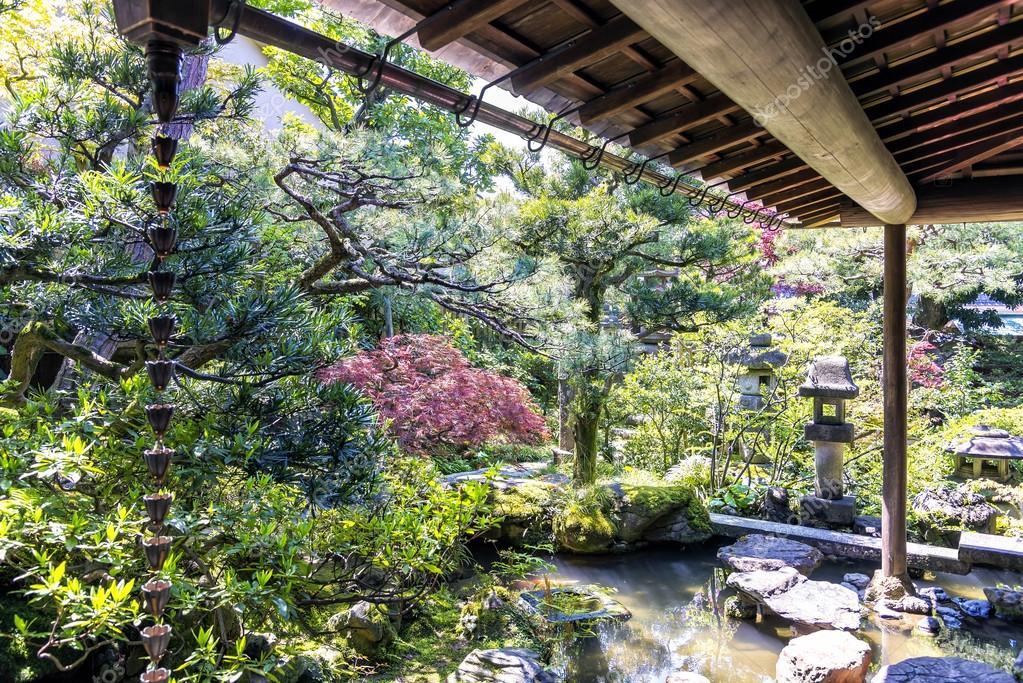 가나자와, 일본에서 노무라의 작은 정원 사무라이 가족 거주 ...