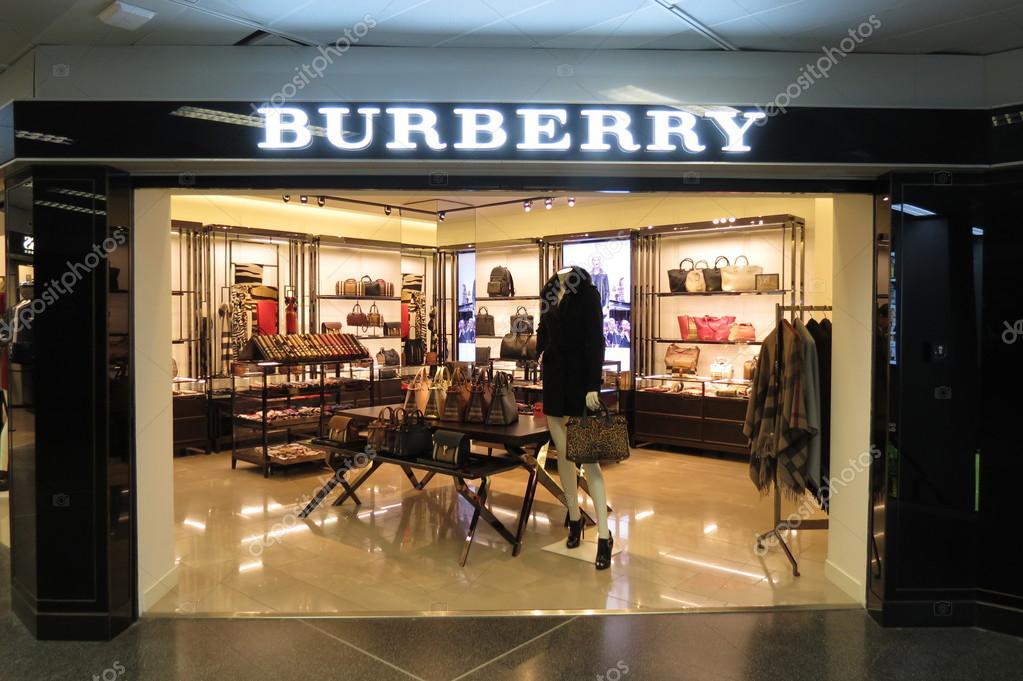 Burberry Brit Store A Milano : Negozio di marca burberry — foto editoriale stock