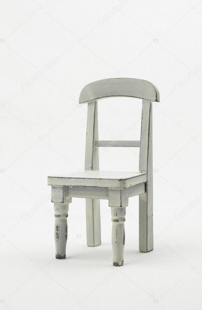 simple chaise rustique en bois blanc sige quatre pattes et un dos fond blanc vue de ct miniature image de seija - Chaise Rustique