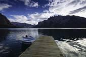 Fotografie Jezero Minnewanka, Banff, Kanada