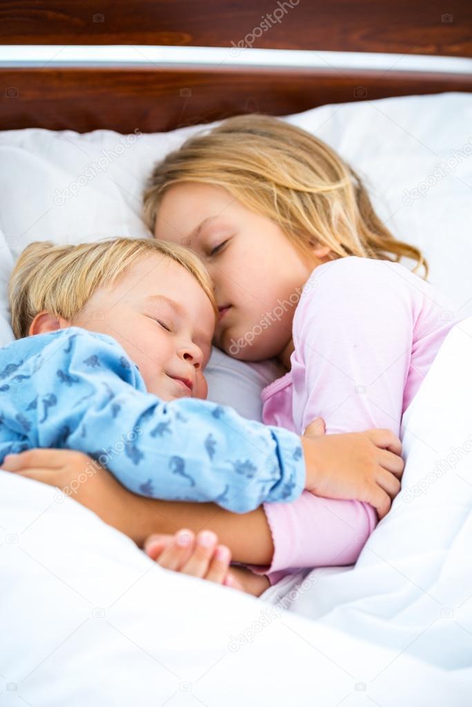 St Sleeping Boys 16