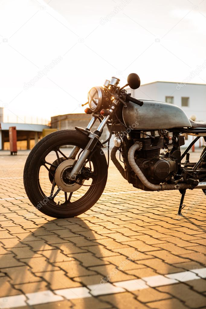 Silver vintage custom motorcycle caferacer — Stock Photo