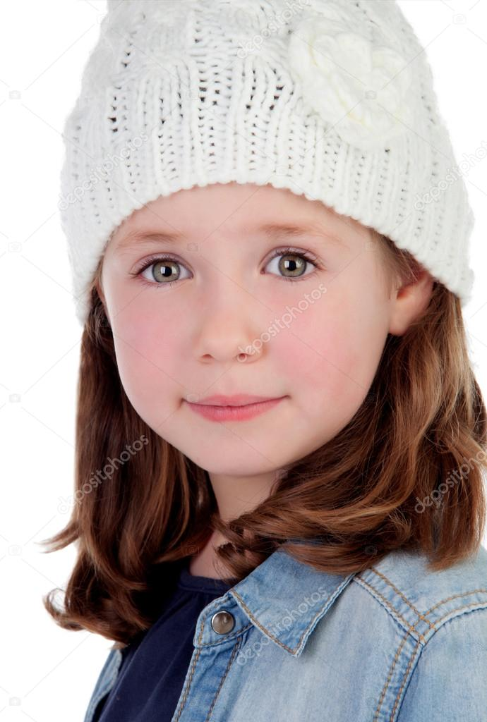 23ecb8c12ad37 Sonriente niña bonita con gorro de lana — Foto de stock © Gelpi ...