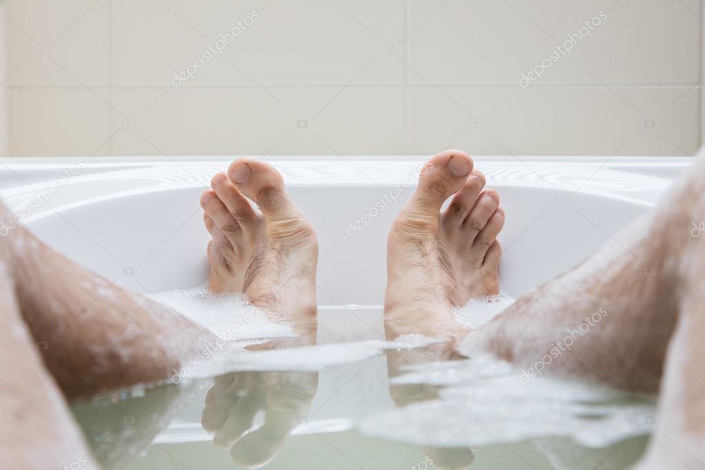 Мужские ноги в ванной фото фото 399-423