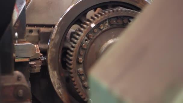 Metallbearbeitungsdrehmaschine in der Fabrik.