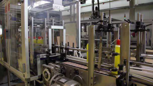 Tekutý prací prostředek na výrobní lince
