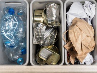Household garbage segregation
