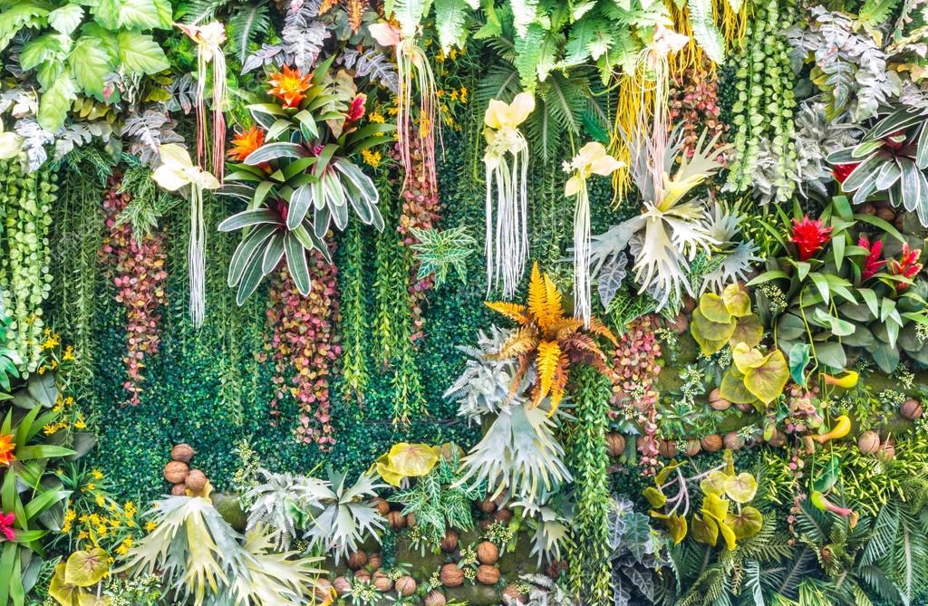 Artificial vertical garden wall stock photo piyachok for Jardin vertical artificial